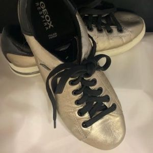 Geox Respira Gold & Black Leather Sneakers Size 7